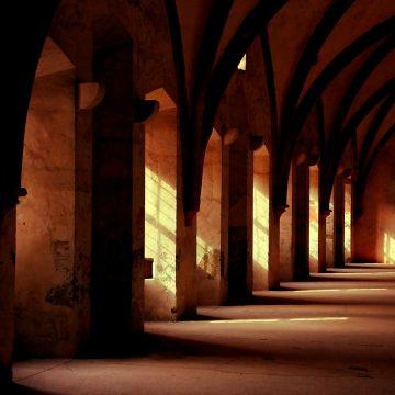 monastery-569368_1280